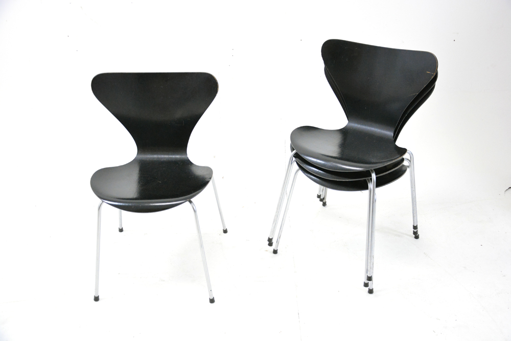 Iconic Series 7 Chairs Designed By Arne Jacobsen 1955.