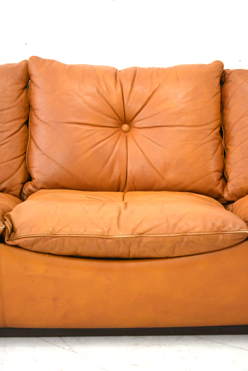 £2950 Long Low 1970s Danish 3 Seater Settee With Original Tan Leather  Upholstery.